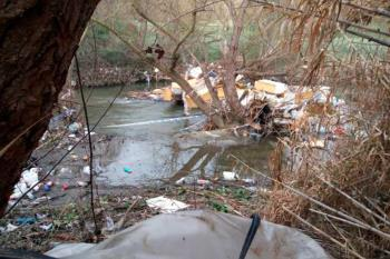 Las administraciones ya han iniciado trabajos de limpieza en algunas zonas, pero la plataforma las considera insuficientes