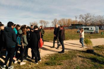 Los alumnos del IES Ignacio Ellacuría se suman al programa de plantaciones
