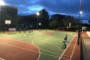 Están orientados para los niños y niñas que quieran probar el baloncesto