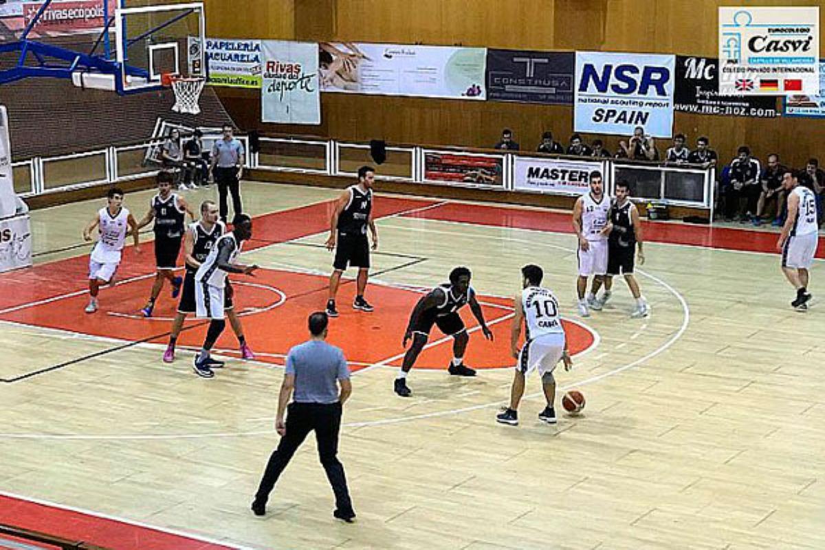 El Eurocolegio Casvi esta temporada contra el Uros de Rivas.