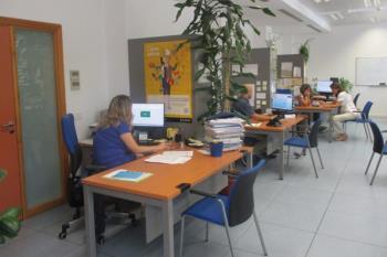 Los concejales Ángel Niño y Sofía Miranda han visitado el Centro de Formación de Barajas para supervisar su oferta