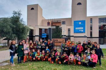 La Junta Municipal de Moratalaz recibe a los alumnos del centro que han celebrada la 'Semana de la Concienciación Medioambiental'