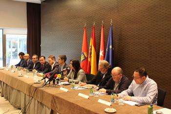 Alcaldes, empresarios y sindicatos han viajado al Parlamento Europeo de la mano de Mónica Silvana González