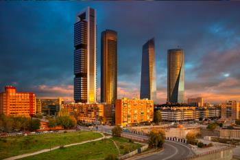 Los grandes almacenes planteaban varias opciones para la parcela que le compraron a Adif por 136 millones de euros