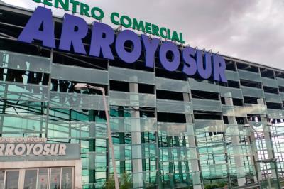 Lee toda la noticia 'El Corte Inglés de Arroyosur cerrará a finales agosto para convertirse en un Outlet Multimarca'