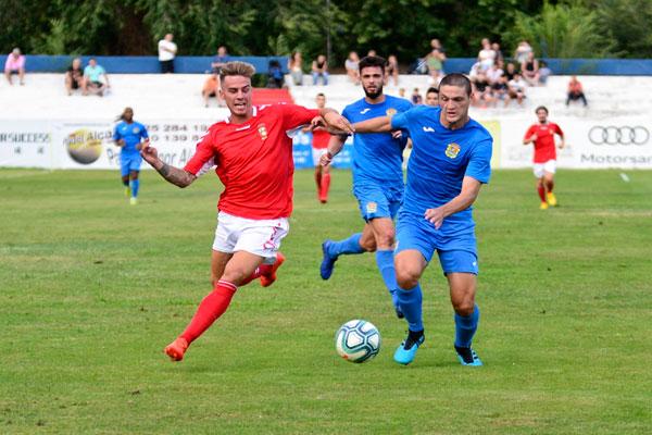 Dos goles de Iban Salvador, uno de ellos de penalti,  propiciaron la victoria de los fuenlabreños
