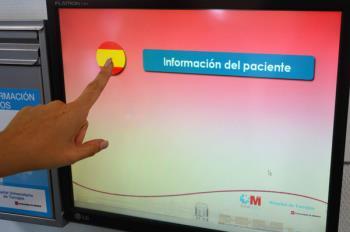 La pantalla da información a los familiares sobre el estado del paciente