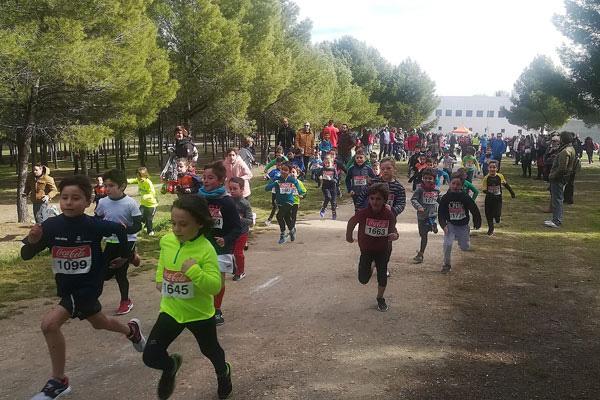 Casi medio millar de atletas recorrieron el Parque del Cerro, escenario de la celebración
