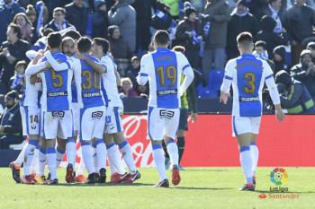 Los de Garitano ganan 3-2 al Espanyol con dos goles en propia de Mario Hermoso