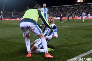 'Pañolada' e igualada tras ir perdiendo por dos goles ante el Eibar