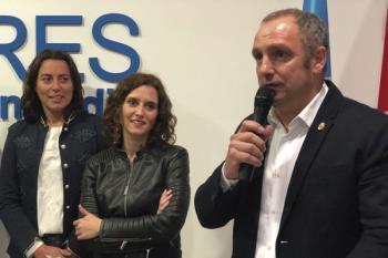 La agrupación inaugura su sede con la visita de la candidata a la Comunidad de Madrid, Isabel Díaz Ayuso
