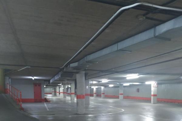 El PSOE denuncia el mal estado del parking de Gran Vía