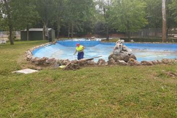 Estos trabajos se realizan cada año para el mantenimiento en buen estado del estanque
