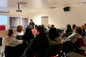 El Servicio de Atención a la Familia realiza tres sesiones sobre la comunicación con adolescentes
