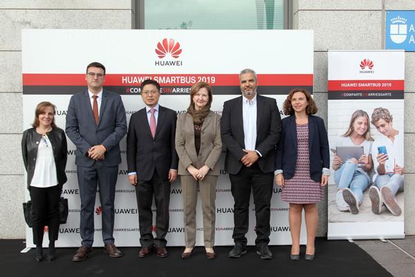 El Smartbus de Huawei fomenta el buen uso de las tecnologías en Alcobendas