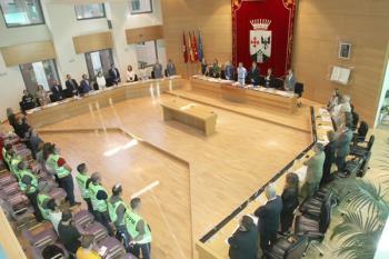 Las protestas iniciadas durante la votación de una moción ha provocado la suspensión temporal del pleno
