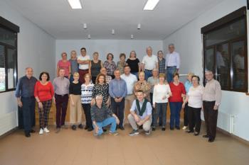 El Centro de Mayores Antonio Machado acoge bailes de salón y risoterapia