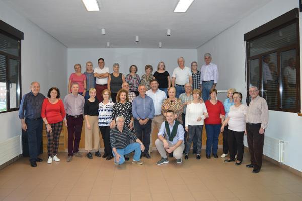 El alcalde visita los talleres para mayores