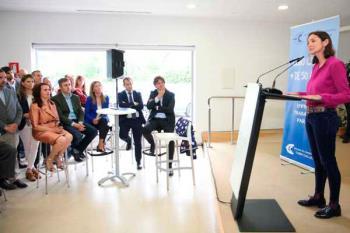La actual Ministra de Industria, Reyes Maroto, se ha comprometido con los empresarios de la ciudad a su construcción