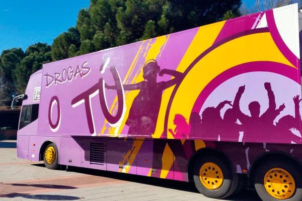 El autobús 'Drogas o tú' recorre la localidad