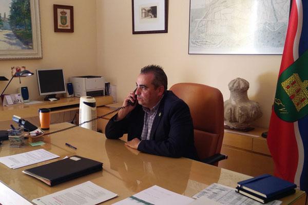 Teniendo en cuenta que esta sería la sexta vez desde su inauguración, el alcalde pide explicaciones