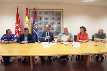 La Federación de Asociaciones Vecinales de Móstoles ha firmado un convenio con el Consistorio que permite a los mostoleños una toma de decisiones más directa