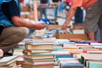 Los tres mejores diseños recibirán un cheque por valor de 100 euros para gastar en las librerías participantes