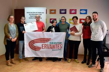 Entregó un cheque por valor de 420 euros con motivo del I Cross Aniversario Alcalá Patrimonio Mundial