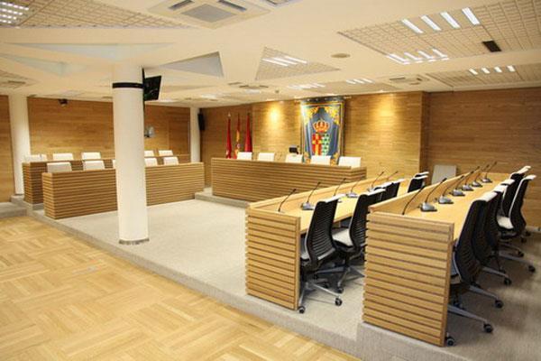 El Pleno ha aprobado una subida en la nómina de la alcaldesa y ediles, así como el reparto de liberaciones y cargos