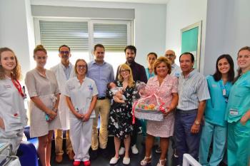 Torrejón de Ardoz recibe al pequeño Diego en el Hospital de la ciudad.