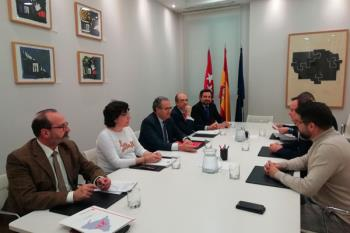 """Gobierno autonómico y local discuten """"actuaciones necesarias"""" referidas a Educación y Mantenimiento"""