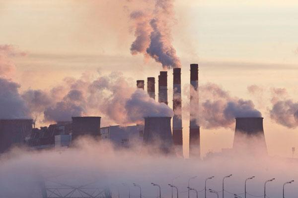 Los gobiernos confeccionan sus propios protocolos contra la polución mediante medidas como la peatonalización