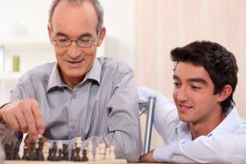 Consiste en un programa de la URJC, de convivencia intergeneracional para universitarios