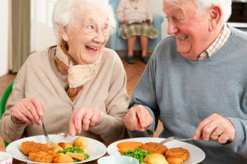 El Ayuntamiento ha puesto en marcha el programa de comidas a domicilio para mayores, dependientes y personas con discapacidad