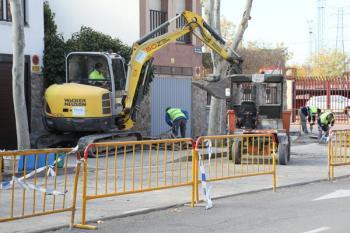 Las obras consistirán en la renovación de aceras y aparcamiento, además de mejoras en accesibilidad