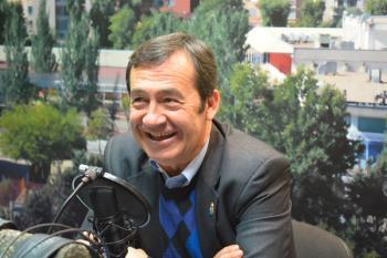 El concejal de Educación de Fuenlabrada se lanza al mundo de la literatura con la publicación de 60 poemas