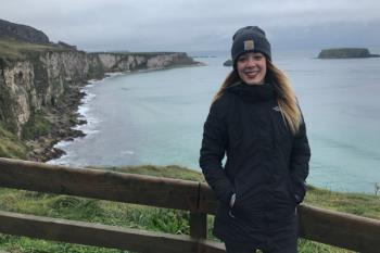 En diciembre nos desplazamos hasta Belfast, una ciudad en Irlanda del norte, de la mano de Nuria Rodríguez Franco, de 25 años de edad, que se encuentra trabajando y estudiando inglés