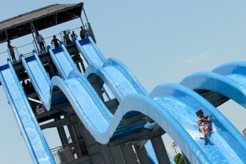 Si eres de Torrejón, contarás con un descuento especial para asistir al parque acuático y otros muchos más espacios de ocio