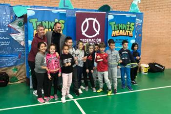 Javier Orcaray no ha querido perderse el primer clinic en el CEIP León Felipe de Fuenlabrada
