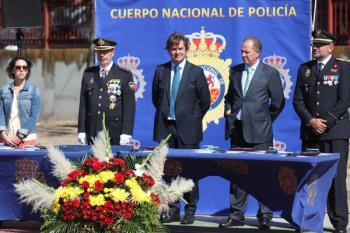 Rinden homenaje a los Caídos en acto de servicio y entregaron condecoraciones y menciones honoríficas