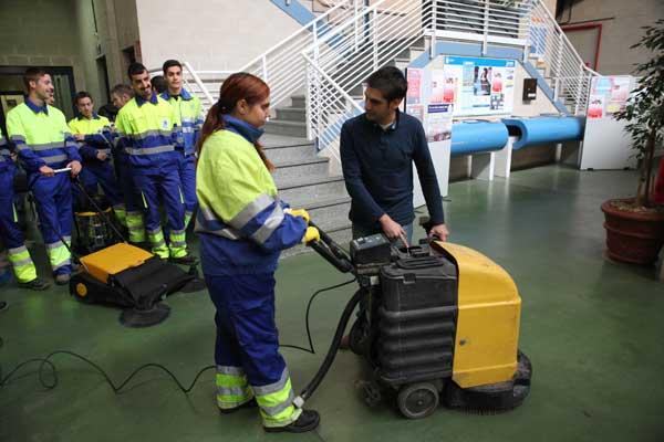Dirigido a jóvenes de entre 16 y 29 años, que llevarán a cabo trabajos de limpieza viaria