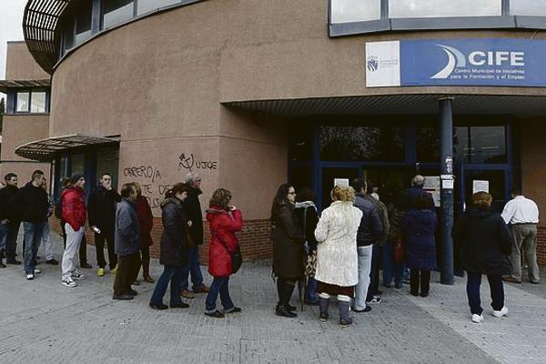 Fuenlabrada es la ciudad que más disminuye el número de desempleados en este mes de noviembre