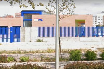 Lee toda la noticia 'Fuenlabrada exige a la Comunidad la edificación total del colegio Yvone Blake'