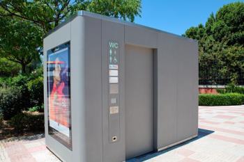 Los servicios instalados por el Ayuntamiento disponen de inodoro y lavabo autolimpiable