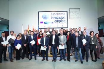 Hoy el alcalde, Javier Ayala ha firmado los convenios necesarios con las empresas