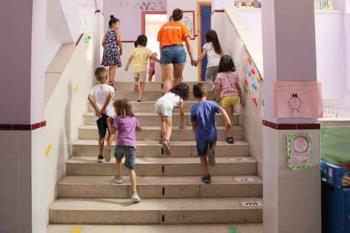 La alcaldesa mantendrá una reunión el 28 de agosto con el viceconsejero de Organización Educativa de la Comunidad de Madrid