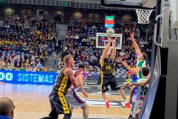 Gran partido inaugural entre Iberostar y Unicaja