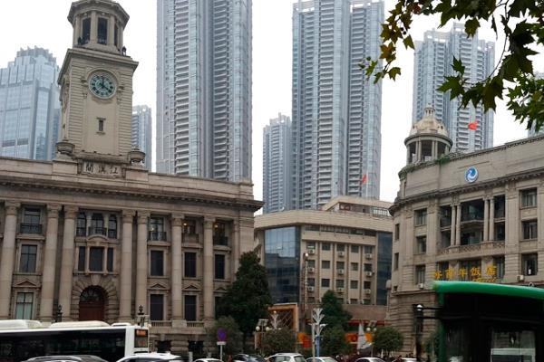 Grandes empresas como Apple, Samsung y Foxconn, cierran en China