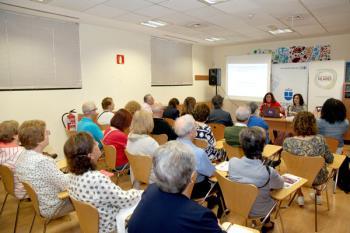 El gobierno municipal ha creado este programa para enfrentar la soledad de nuestros ancianos