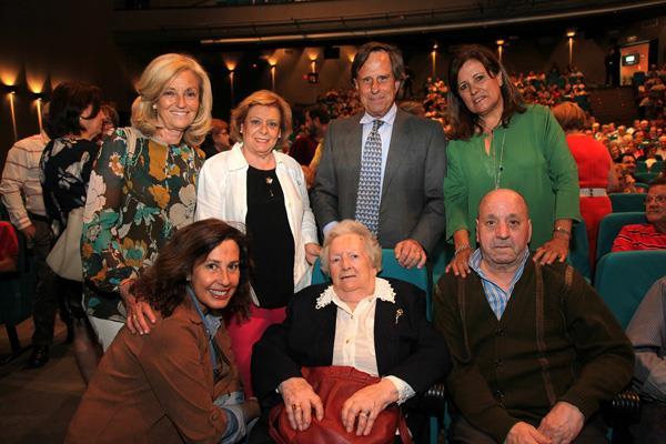 Homenaje a Mari Cruz, Manuela y Carmen por ser las más mayores de Alcobendas